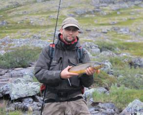 Летняя рыбалка на тундровых озерах