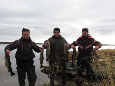 Речная рыбалка на Поной